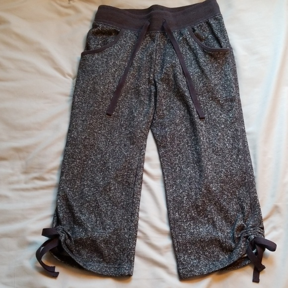 Bobbie Brooks Capri Jogging Pants